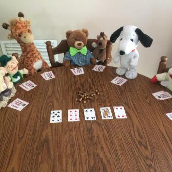 Sammy and the gang are playing poker.